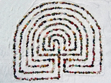 labyrinth-1233365-640x480