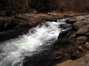 river-1404137-640x480